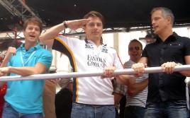 689px-John_Barrowman_at_London_Gay_Pride_2007 (1)